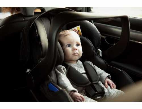 Scoica auto și primele drumuri ale bebelușilor